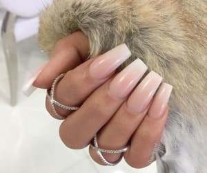accesories, femme, and uñas image
