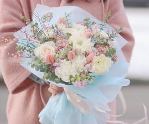 aesthetic, bouquet, and dreamy image