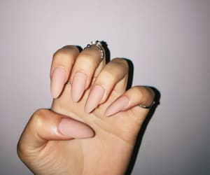 nails and nails inspo image