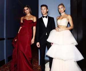 cameron dallas, hailey baldwin, and taylor hill image