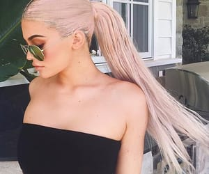 hairstyle, ponytail, and kylie jenner image