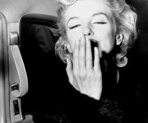 beautiful, kiss, and Marilyn Monroe image