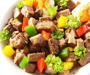 bell peppers, bouillon, and beef salad image