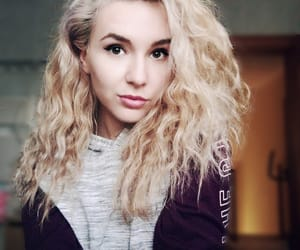 blonde girl, blonde hair, and curly hair image