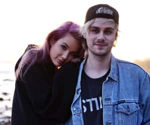 5sos, couple, and michael clifford image