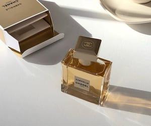 minimalism and perfume image