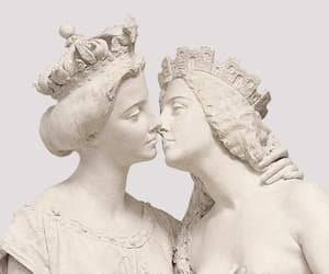 aesthetic, kiss, and statue image