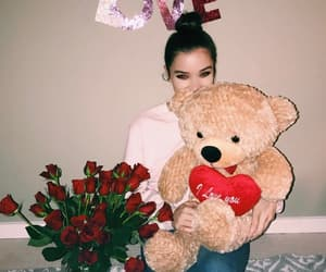 Valentine's Day and hailee steinfeld image