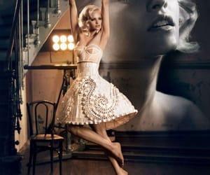 fashion and ginta lapina image