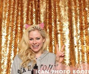 Avril Lavigne, cantante, and sonrisa image