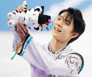 japan and yuzuru hanyu image