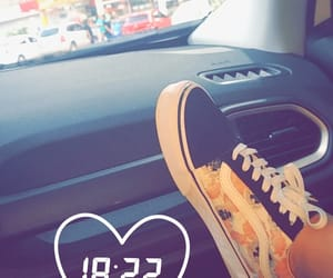 chat, snap, and vans image