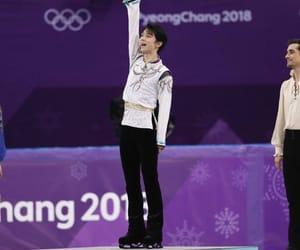 champion, japan, and 羽生結弦 image