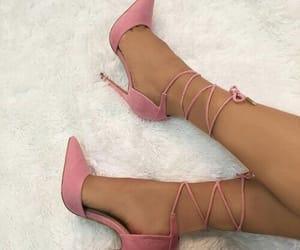 fashion, rosa, and salto image