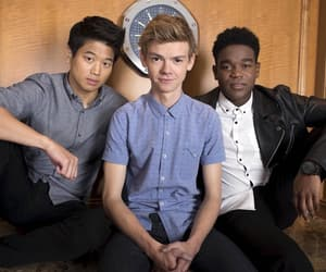 ki hong lee, thomas brodie-sangster, and newt image