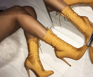 fashion inspo, shoe goals, and shoes+boots+heels image