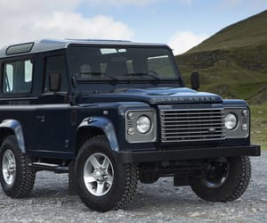 defender and landrover image