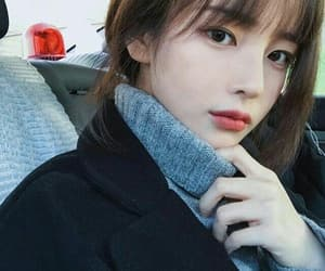 ulzzang, girl, and hwamin image