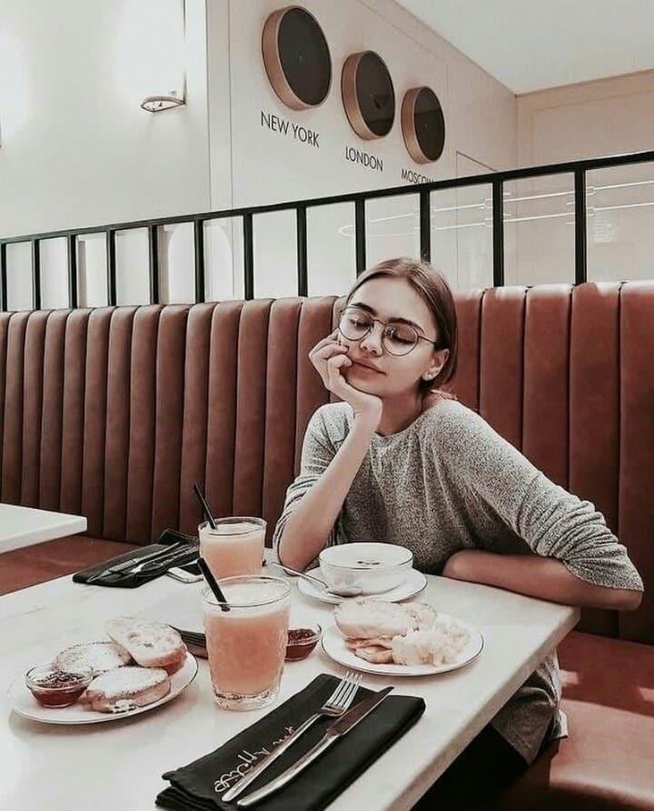 beauty, girl, and breakfast image