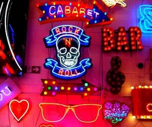 aesthetics, colors, and bar image