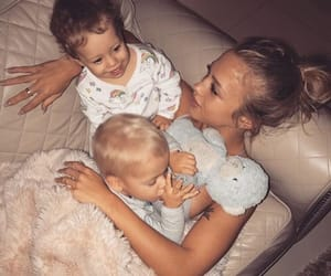 baby, tammy hembrow, and family image