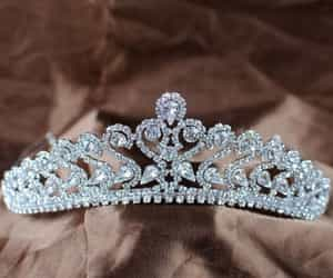 accessories, crown, and girls image