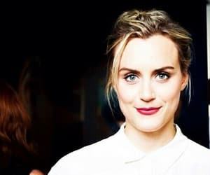 red lipstick, oitnb, and taylor schilling image