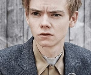 thomas sangster, thomas brodie sangster, and newt image
