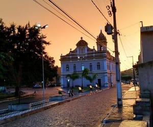 church and fim de tarde image