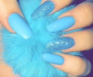 blue nails, sparkly, and sparkly nails image
