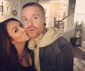 memphis may fire, matty mullins, and brittany mullins image