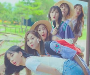 gfriend and love whisper image