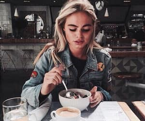girl, food, and style image
