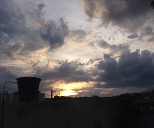 nuvem, sol, and nuvens image