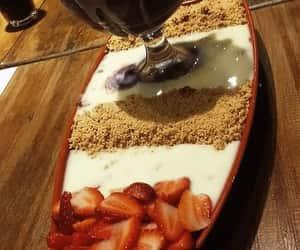 acai, morangos, and chocolate image