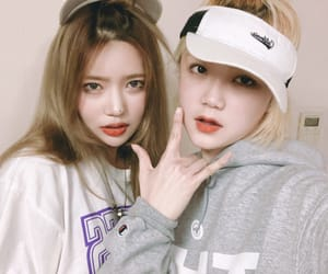 couple, lesbian, and ulzzang image