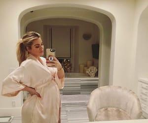 baby, pregnant, and khloe kardashian image