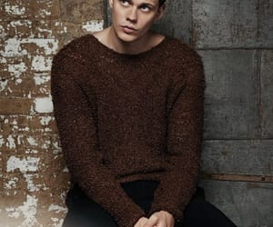 bill skarsgård, actor, and it image