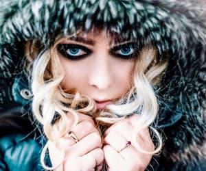 Taylor Momsen, dark make up, and blue eyes image