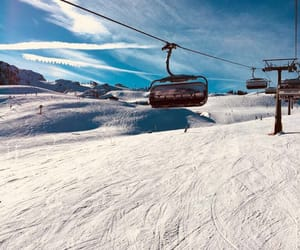 cold, sky, and Skiing image