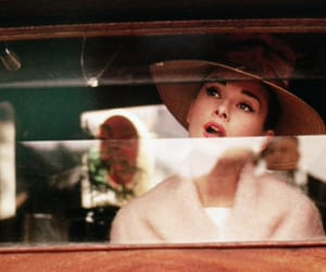 audrey hepburn, Breakfast at Tiffany's, and article articles image