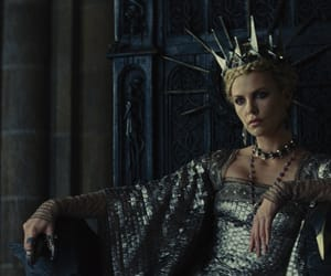 evil queen, Charlize Theron, and snow white image