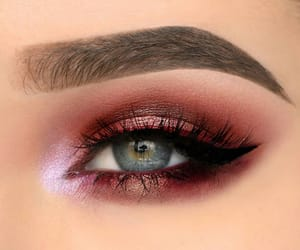 make-up and eyes image