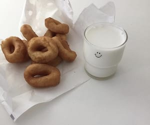 delicious, food, and doughnuts image