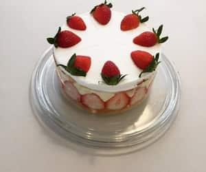 aesthetic, cake, and strawberry image