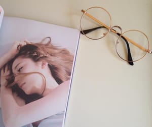 aesthetic, minimal, and glasses image