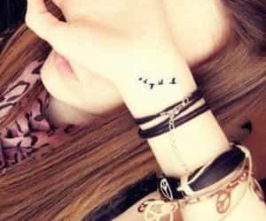 oiseaux, poignet, and tatouage image