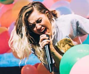 miley cyrus, beautiful, and music image