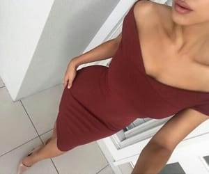 body, looks, and dress image