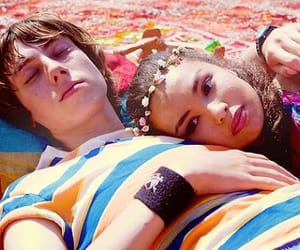 couple and skins uk image